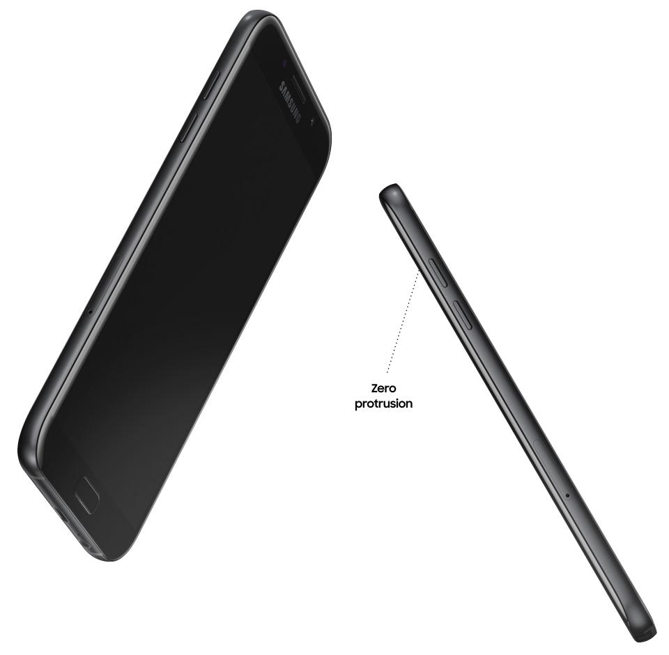 Sıfır çıkıntıyla uniform tasarımını öne çıkarmak için Galaxy A7 (2017)'nin önden ve yandan görünümü.